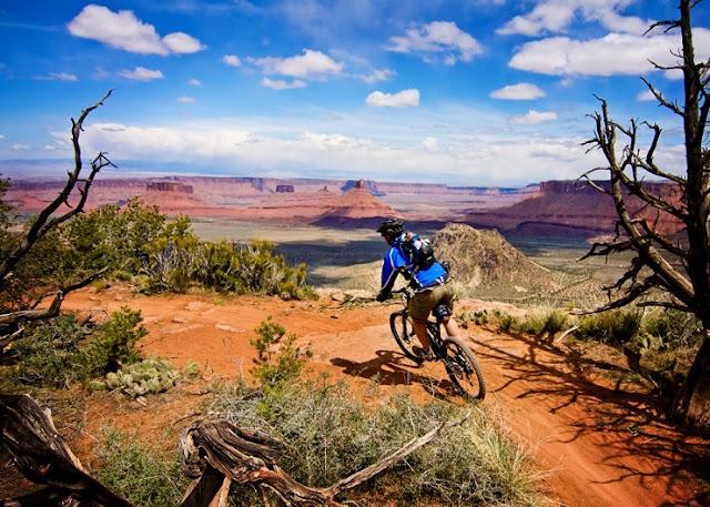 Bersepeda di Moab, Utah, Amerika Serikat