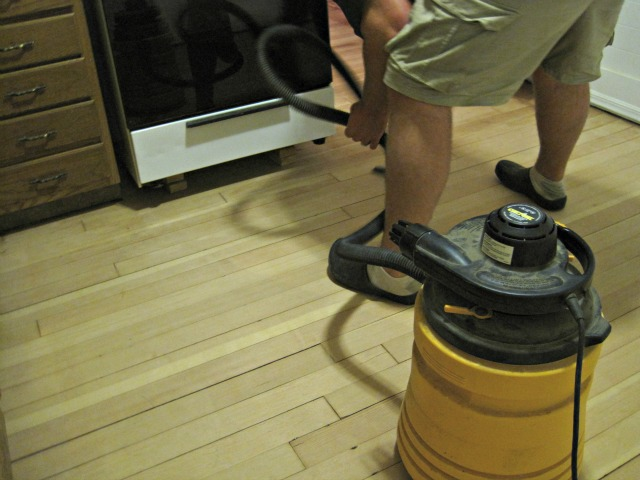 man vacuum hardwood floor shop vac
