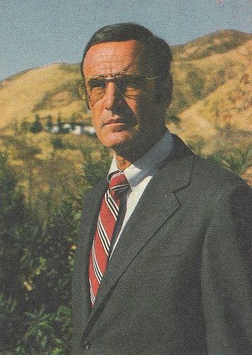 Photo de Oscar Goldman en costume