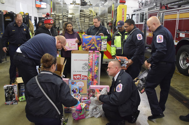 Toys For Tots Community : Prince george s county fire ems department community