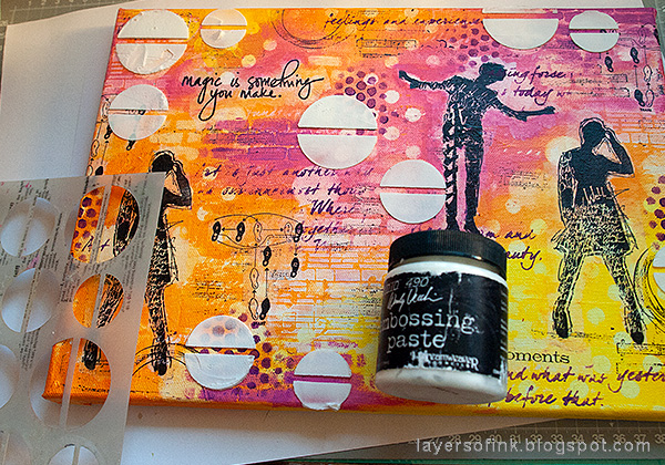 Layers of ink - Mixed Media Layers with Stencils and Stamps Canvas Tutorial by Anna-Karin Evaldsson, embossing paste through a stencil