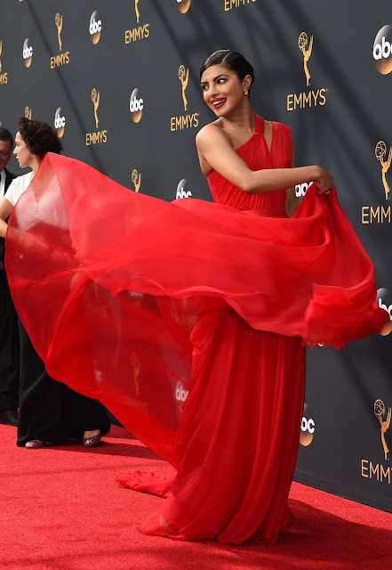 priyanka chopra stills at emmy awards 2016
