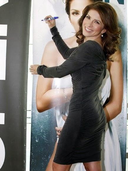 Ana Carolina Da Fonseca Bailando