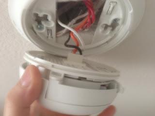 美國工作及旅遊生活經驗分享: 家中煙霧偵測器 (Smoke Detector) 該換電池了