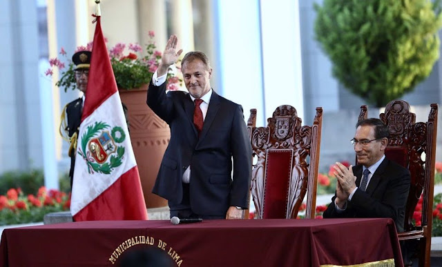 El alcalde electo de la capital, Jorge Muñoz Wells, juró este miércoles como nuevo burgomaestre de la Municipalidad de Lima para el periodo 2019-2022.