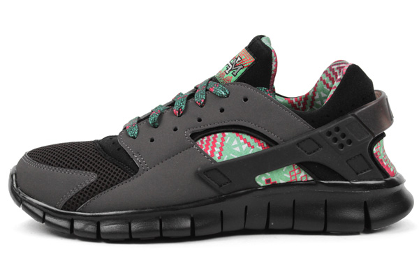 """7dd2c72bbe94d A little originality goes a long way on what would otherwise be a  relatively mundane Nike Huarache Free 2012. This """"Black History Month"""" pair  features an ..."""