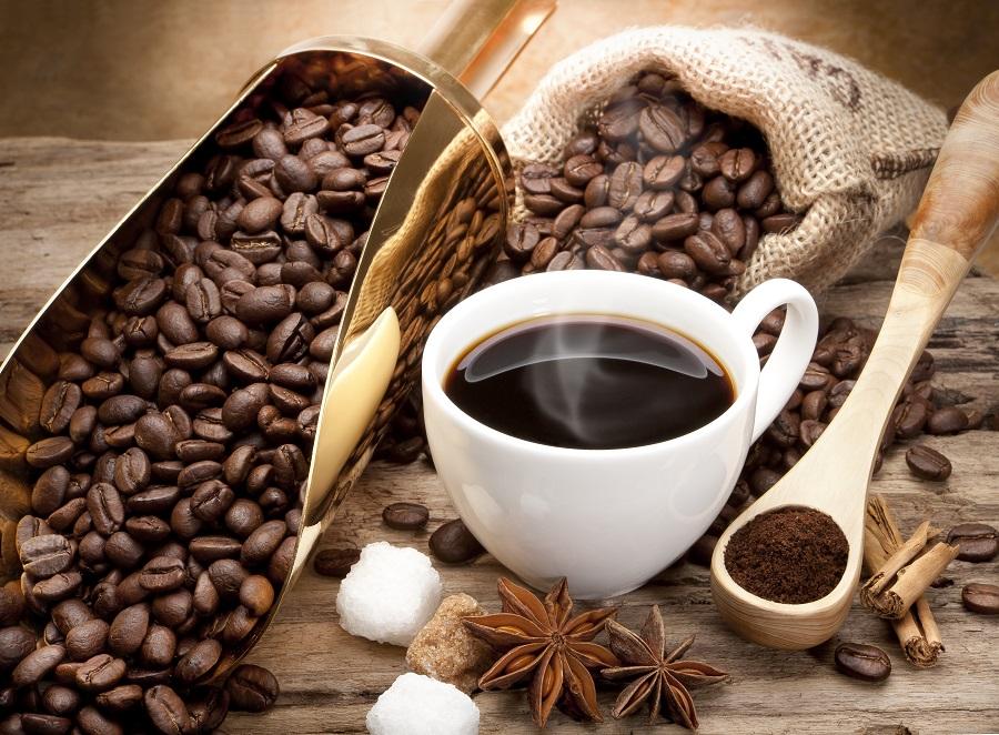 12 benefícios do café para a saúde e 6 desvantagens