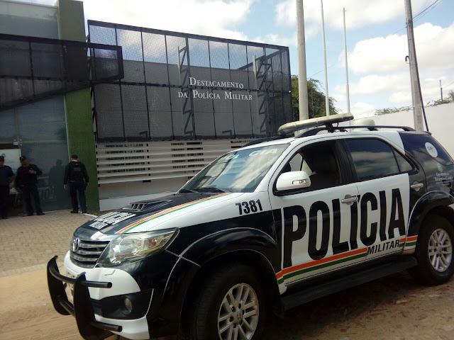 Casal é encontrado morto dentro de carro em Viçosa do Ceará   A ...
