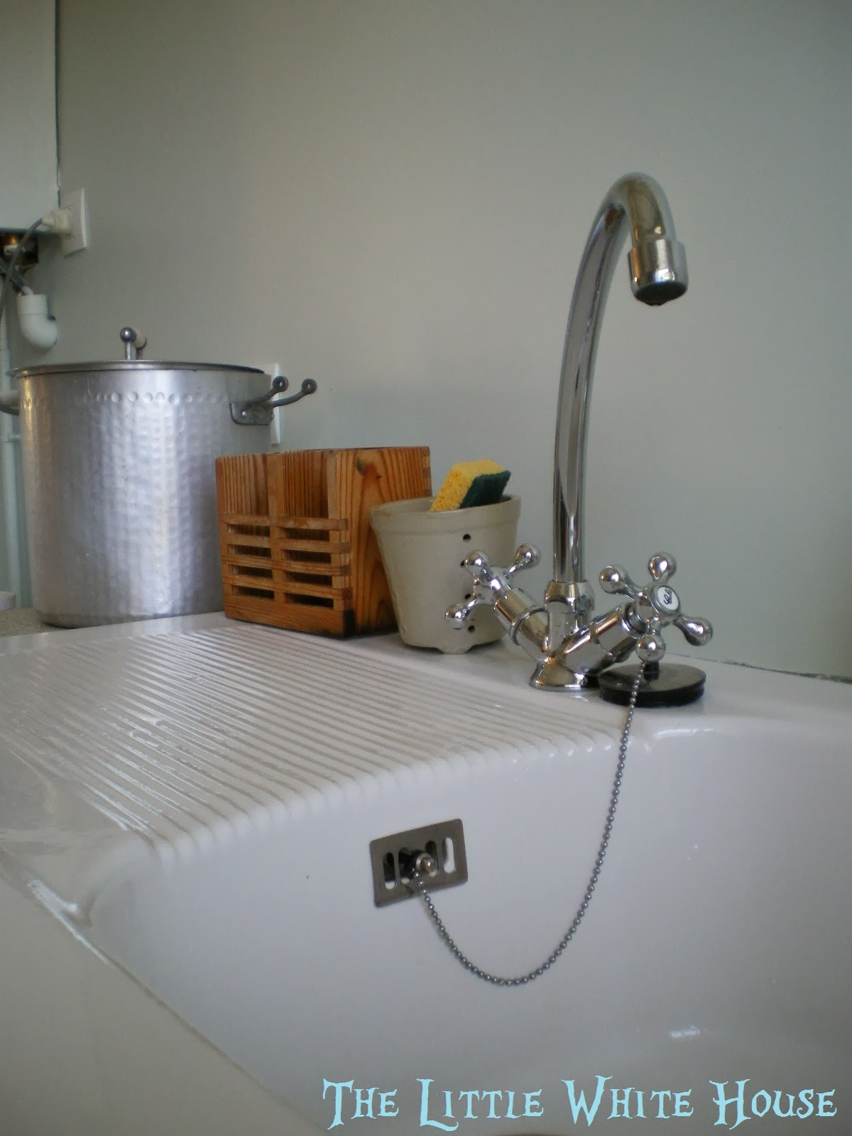 How To Get Rid Of Stains On White Kitchen Sink