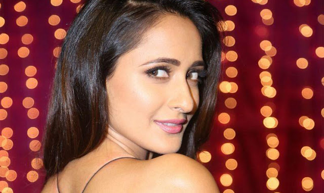Pragya Jaiswal Met With Accident