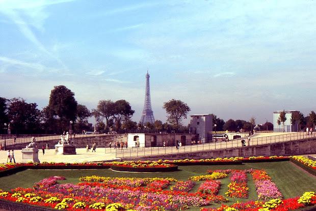 Destination Fiction Tuileries Garden Paris