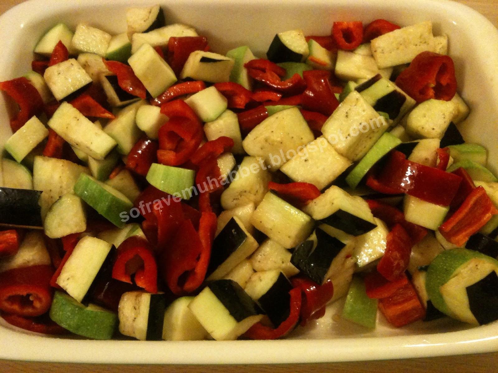 Fırında Soslu Sebze Kızartması Tarifi – Sebze Yemekleri