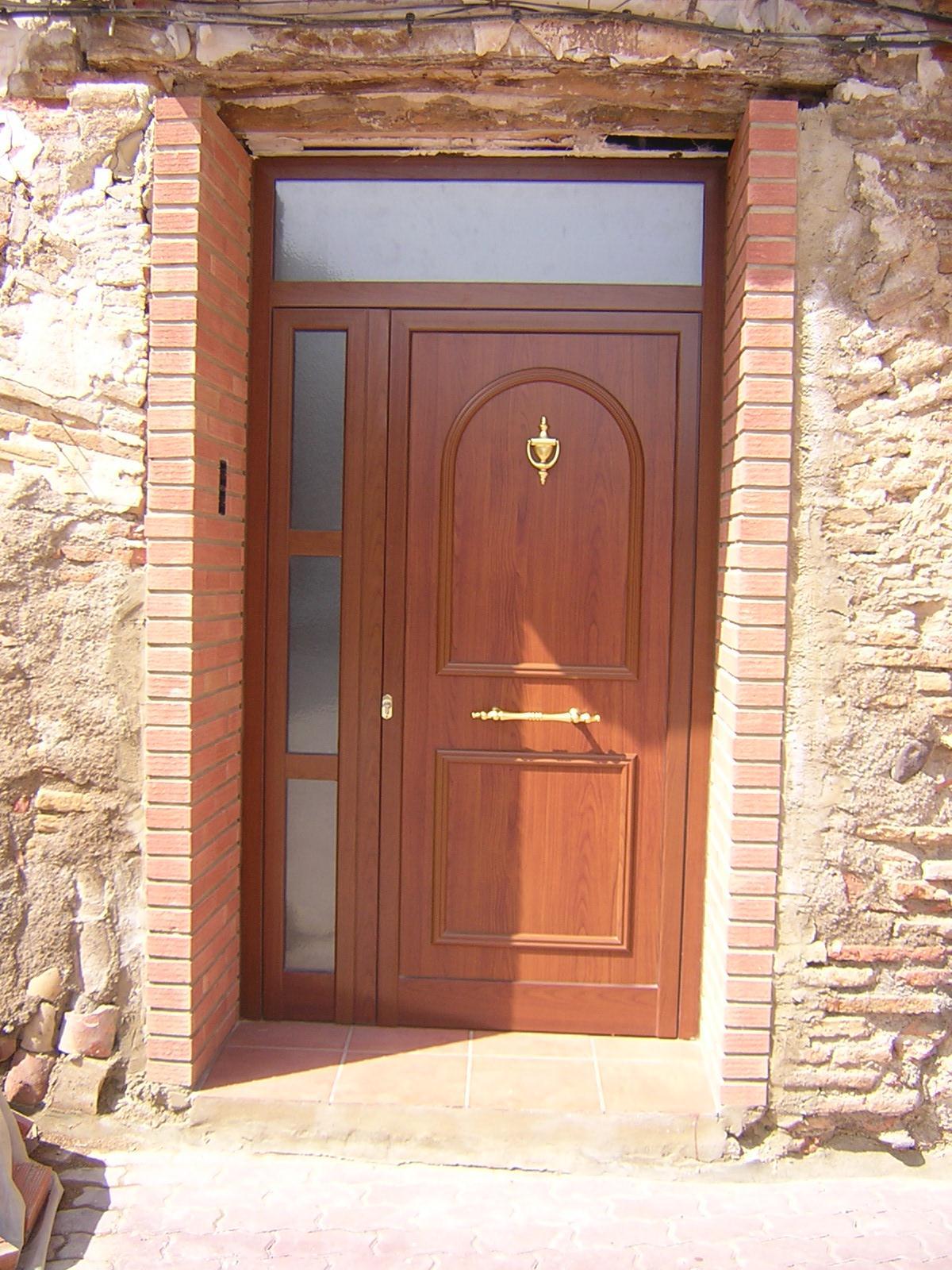 Una puerta para su portal carpintero sevilla 665 848 - Puertas de entrada madera ...