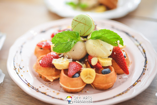 Beautiful waffles with ice-cream from The Owls Cafe