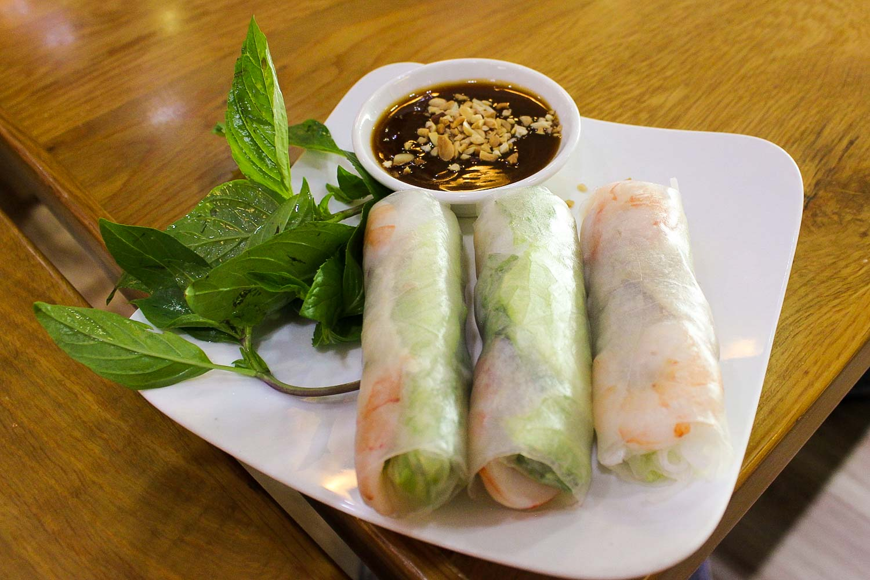 goi cuon nuoc leo fresh spring rolls and peanut sauce