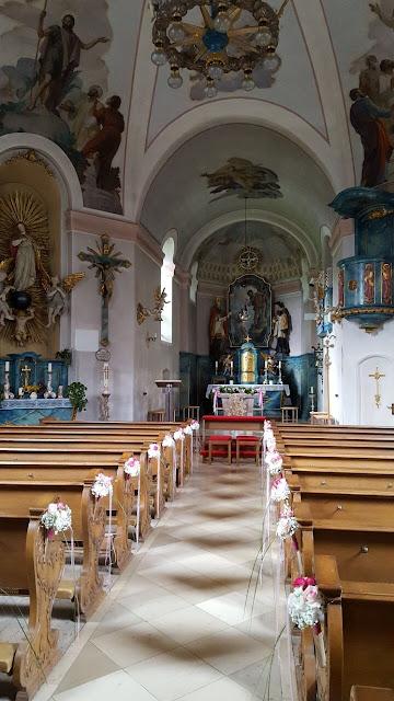 Katholische Pfarrkirche Grainau Hochzeit, , Riessersee Hotel, Garmisch-Partenkirchen, Bayern, Vintage, Rosen, Schleierkraut, Rosa, Pink, See und Berge