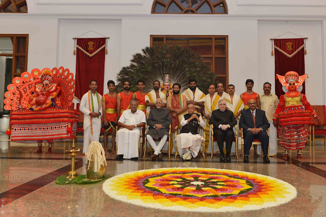 President Pranab Mukherjee, Vice President Hamid Ansari , Kerala Governor Mr P Sadasivam   Chief Minister Pinarayi Vijayan and Kerala High Court Acting Chief Justice Mohan M Shantanagoudar with the artistes during the first ever Onam celebrations organised at the Rashtrapathi Bhavan, New Delhi.