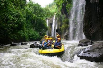 Arung Jeram Sungai Pakelan