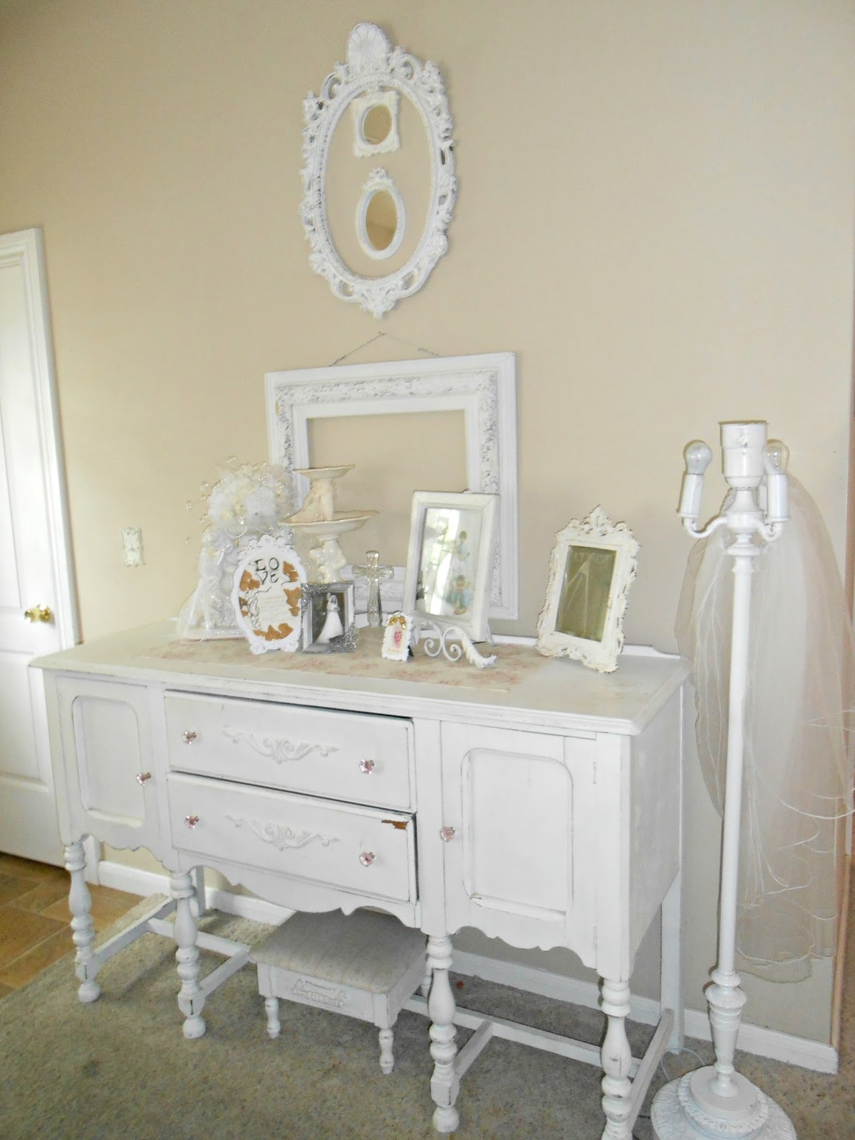 Chic Living Room: Olivia's Romantic Home: Shabby Chic Living Room