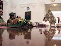Ngeri! Ada Penampakan Misterius di Dekat Presiden RI Jokowi, Perhatikan Foto Pertemuan Ini