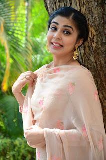 leona lishoy at edureetha teaser launch 10