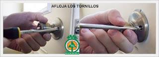 aflojar-tornillos-reparar-chapa-puerta-ventas-maderables-cuale-bahia-de-banderas-nayarit-puerto-vallarta-maderas
