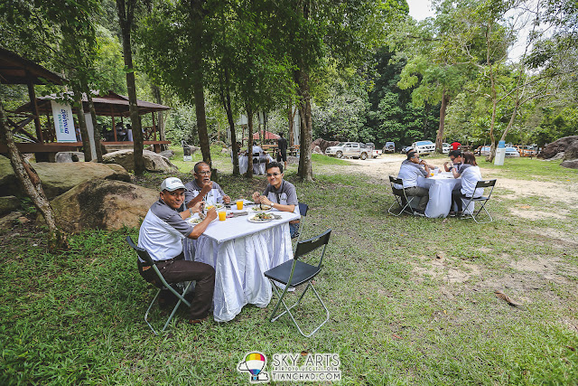 A close-to-nature lunch session at Jerangkang Waterfalls, Maran, Pahang.
