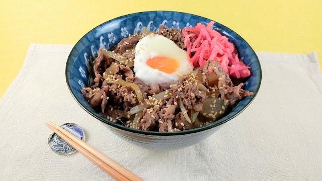 味が染みておいしい!人気の牛丼レシピ