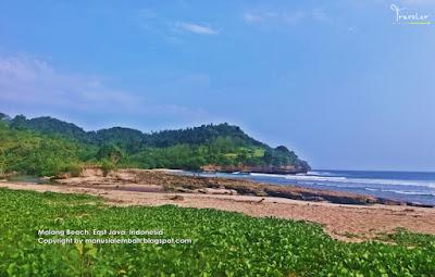 Panorama Pantai Molang Untuk Si Bolang