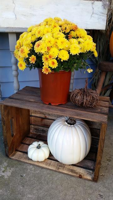 Fall Autumn porch stoop outdoor decor