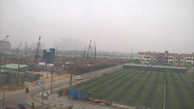 Sân bóng cạnh An Bình City
