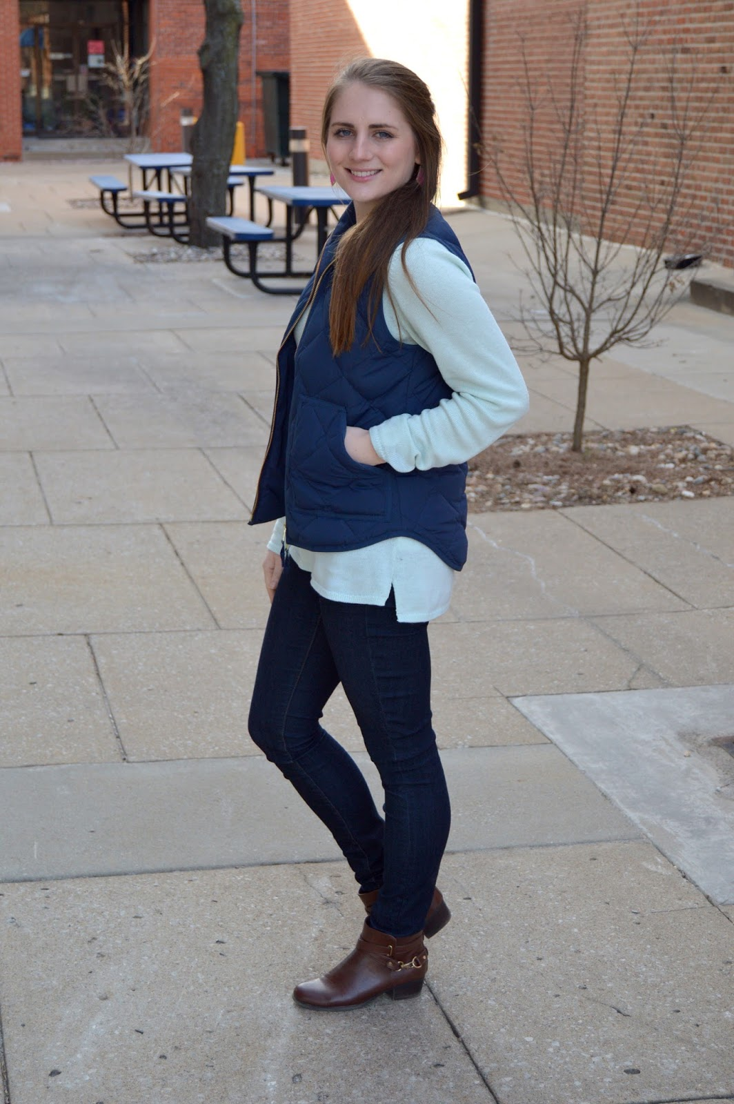 early spring outfit idea