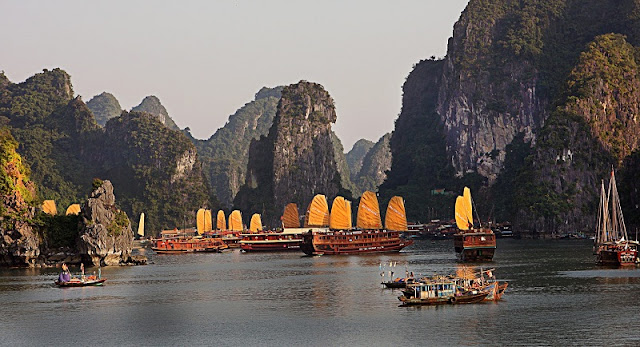 Experience the most attractive tourist on Halong Bay 3