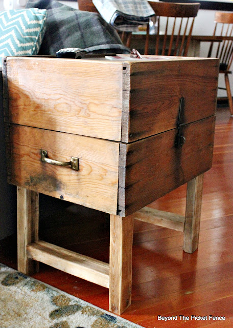 rustic decor, storage, end table, side table, wood trunk, https://goo.gl/nfzf4R
