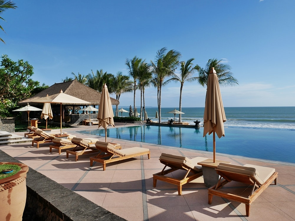 DELUXSHIONIST TRAVEL THE LEGIAN BALI | THE MOST LUXURIOUS HOTEL IN SEMINYAK