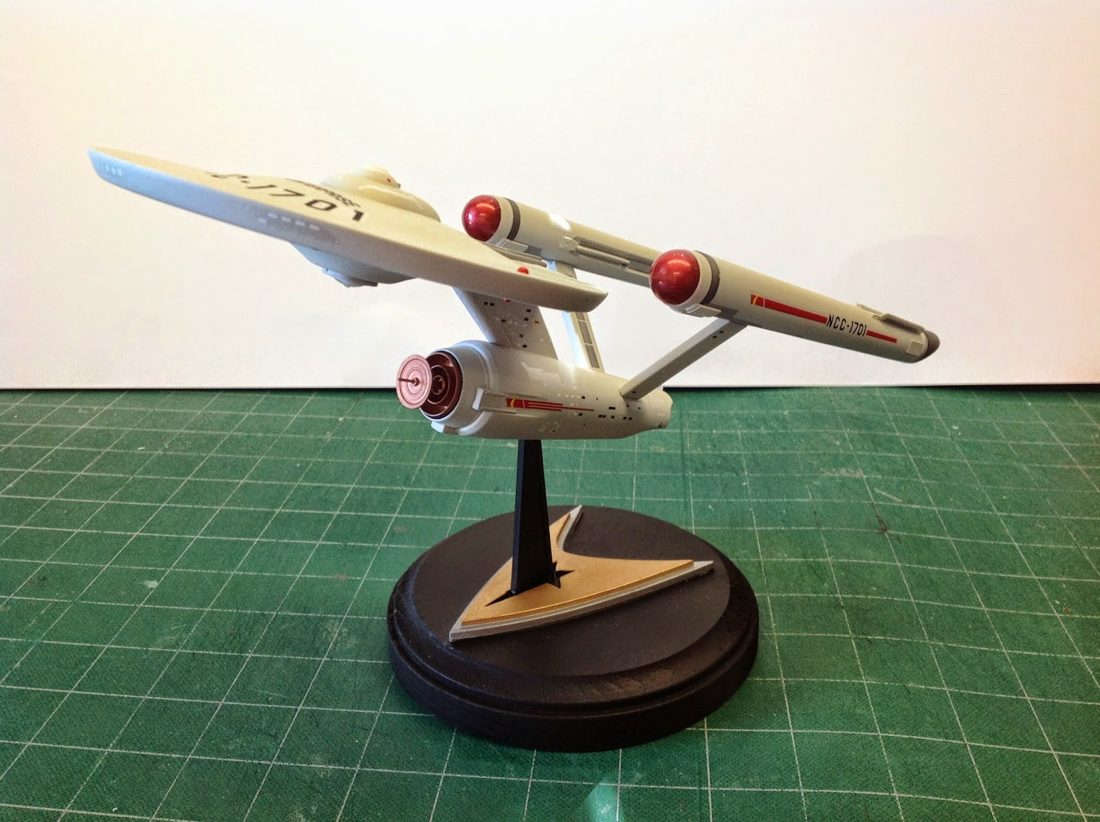 Star TreK Scale Model Polar Lights