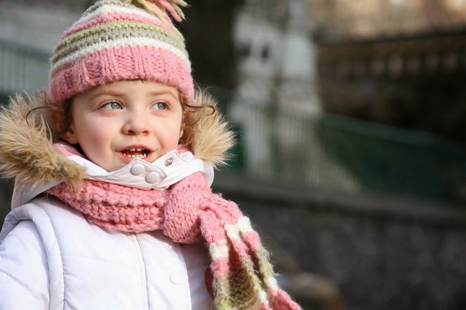 stylish-cute-beautiful-little-girl-scarf-image
