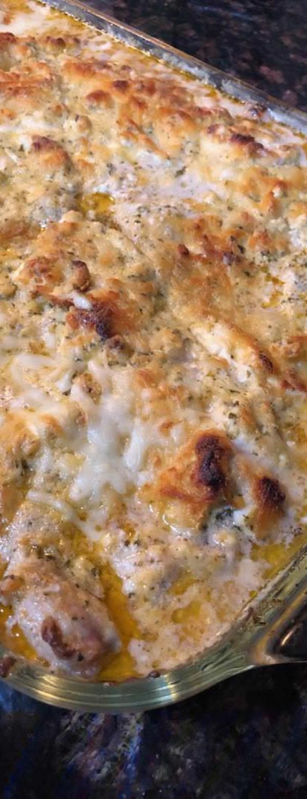 Keto Pesto Chicken Casserole with Spinach #CHICKEN #CASSEROLE #KETO