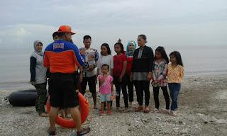 Sedari Moncer ,Pantai Tanjung Baru Karawang Ditinggalkan
