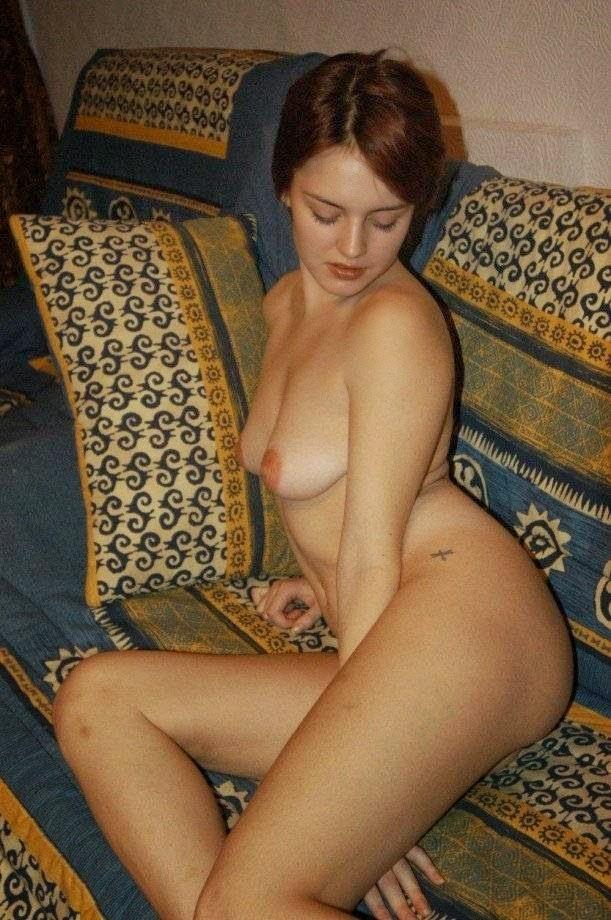 ждите женщины на фото позируют из россии частное белье, полное