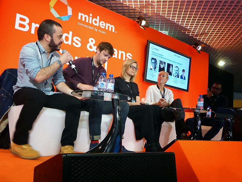 Midem 2014 : Henri Jamet (Believe Recordings), Gerard Phillips (Songs Music Publishing), Bettina Dorn (Warner Music Group Germany), Assia Grazioli-Venier (Flypaper), Cliff Fluet (Lewis Silkin) / photo S. Mazars