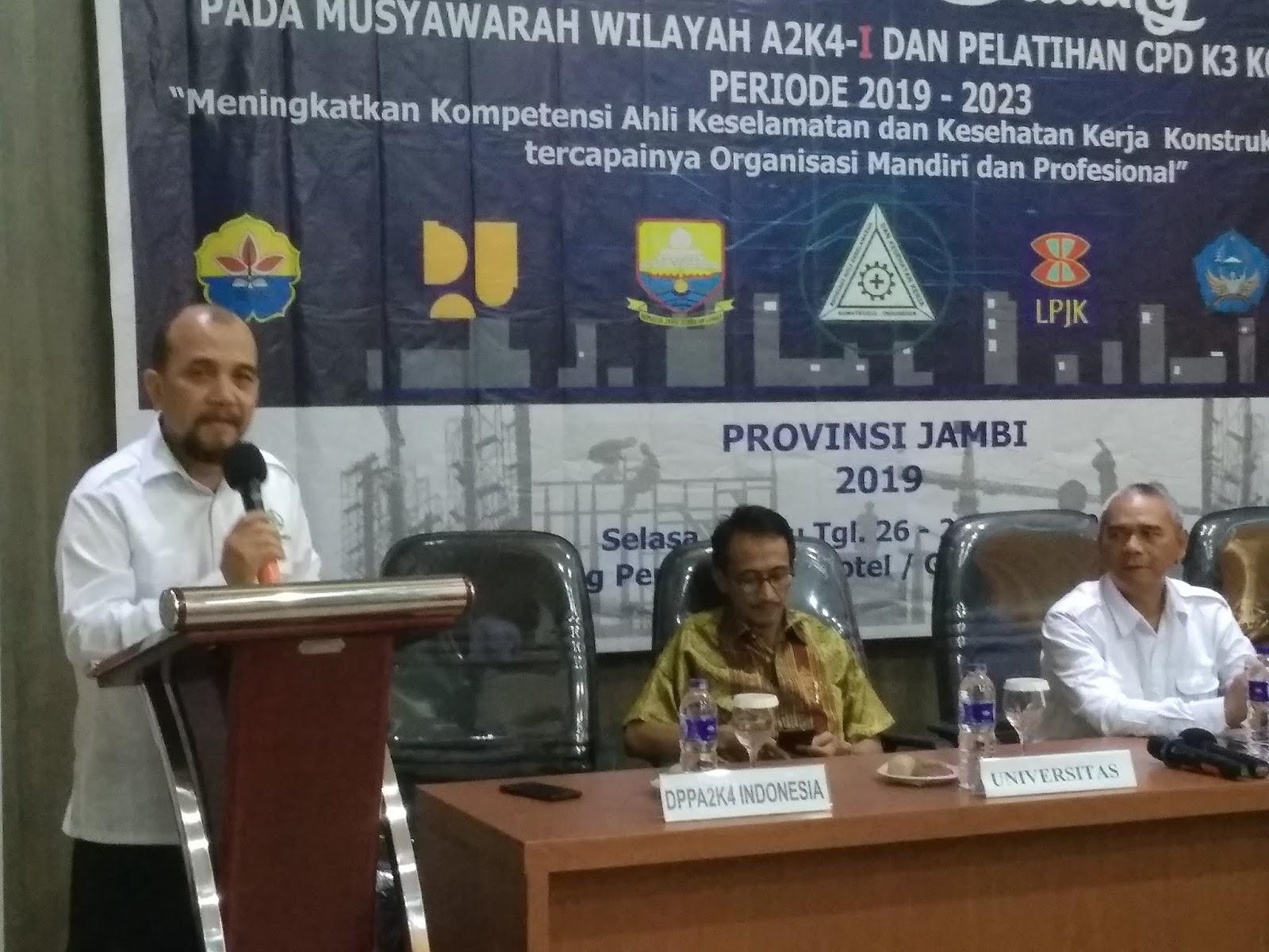 Ketua Umum DPP A2K4-I Secara Resmi Membuka Muswil I Dan Pelatihan CPD K3 Konstruksi.