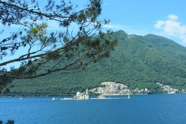 Montenegro,  baai van Kotor