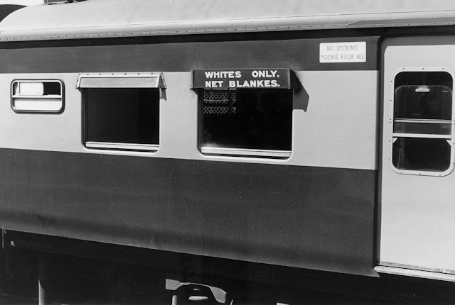 Beyaz insanlar için rezerv edilmiş bir tren vagonu, 1982