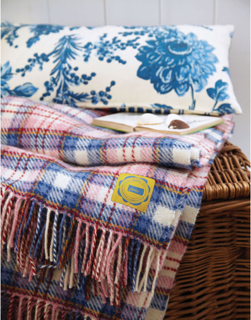 Cosy throws perfect for Autumn from the new Joules homeware collection.