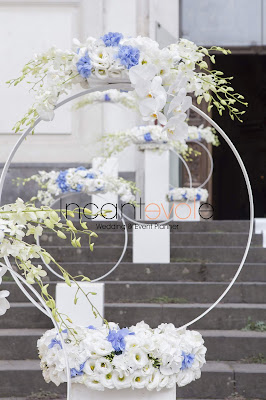 composizione floreale moderna