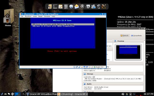4MLinux 21.0 Core rodando em uma máquina virtual