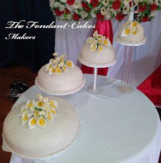 Icing Cake Making Wedding Cake Design