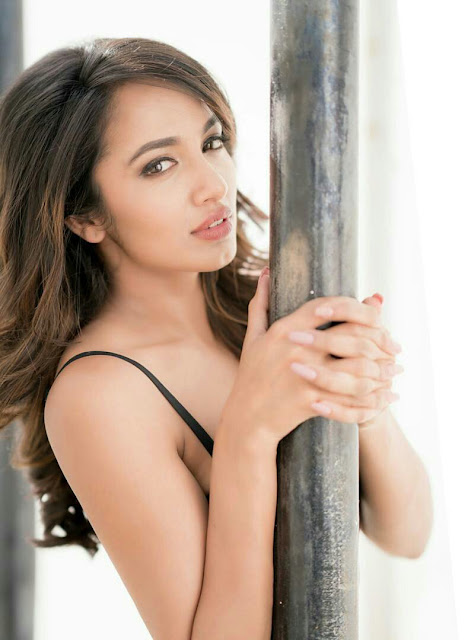 Actress Tejaswi Madivada Latest Photos