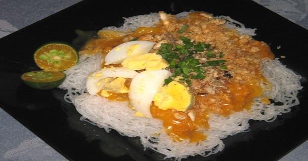Nanay's Pancit Palabok Recipe